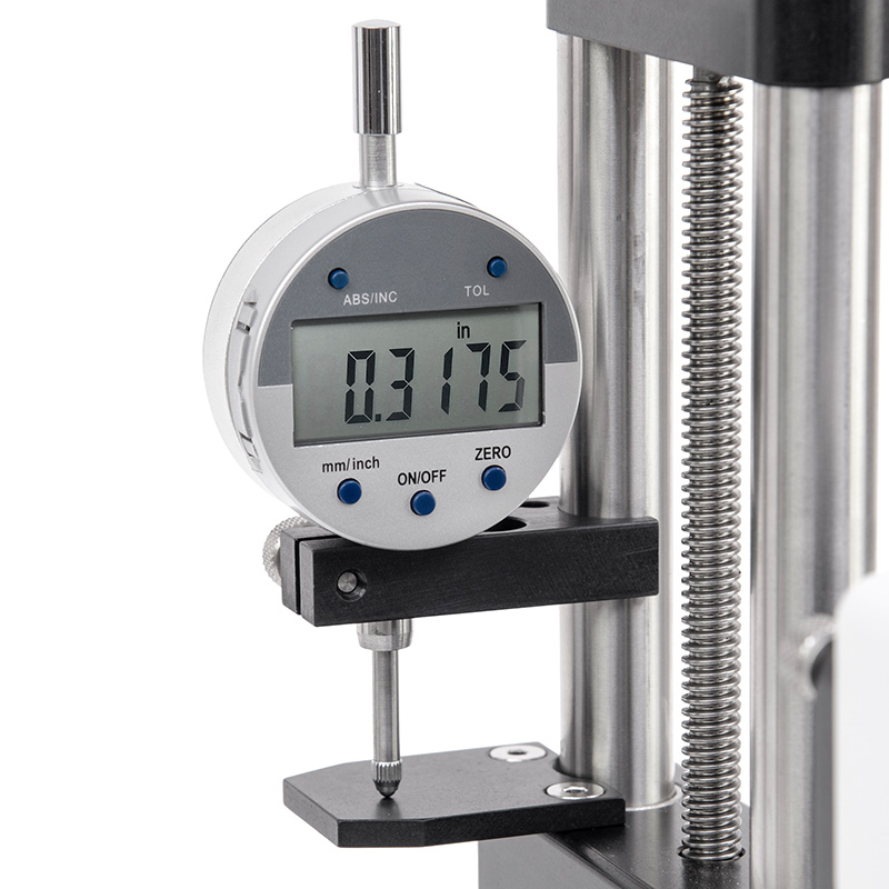 digital travel indicator for manual test stand
